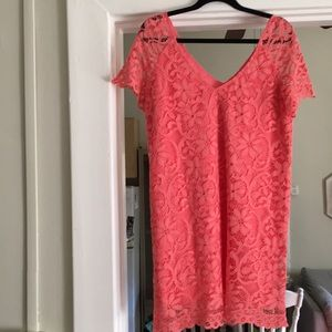 Peachy lace dress in new condition!